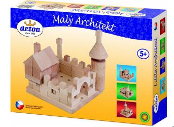 """Chateau en bois de 120 pièces """"detoa"""""""