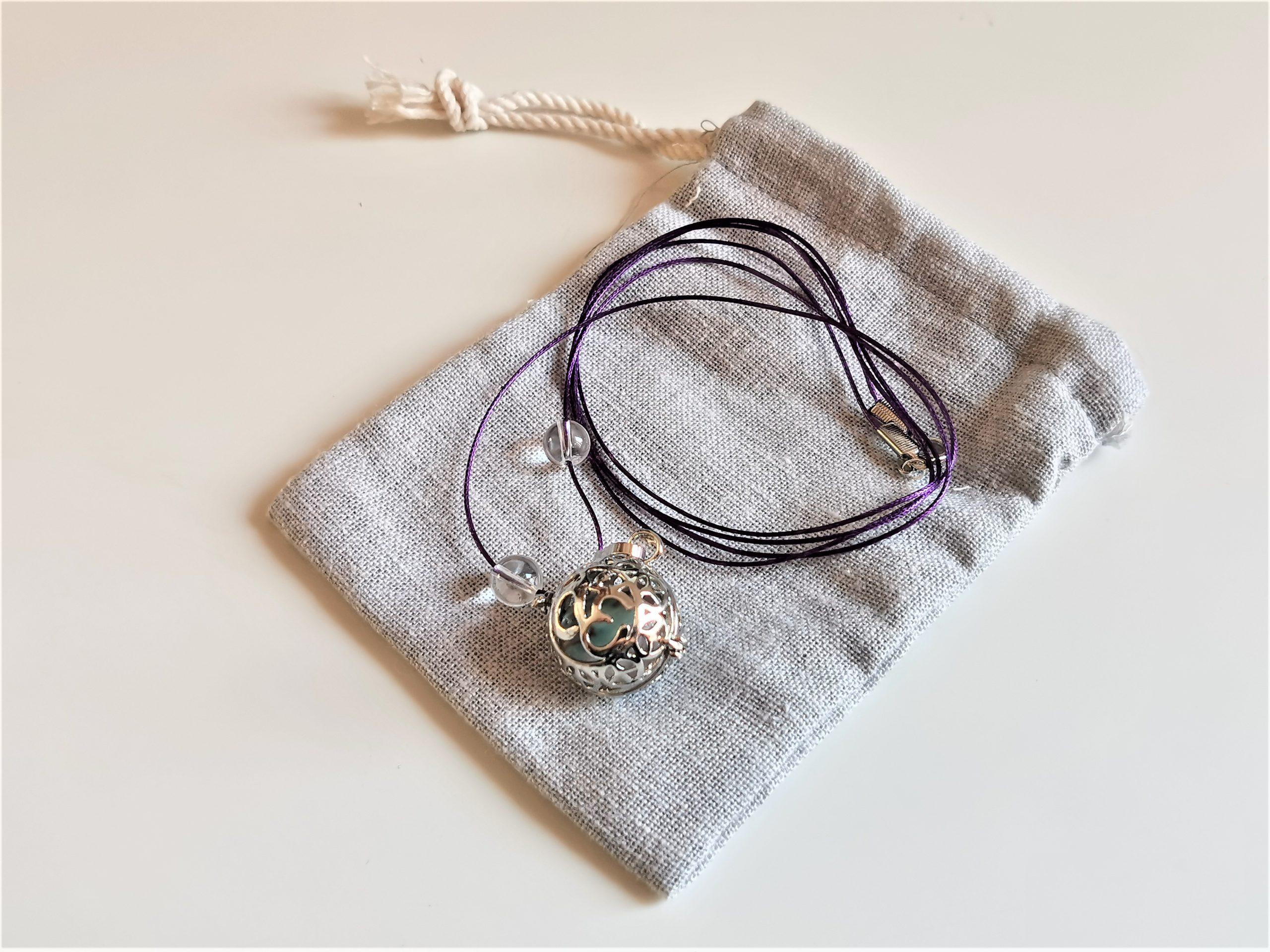 Collier minéral de grossesse quartz, larimar et cristal de roche
